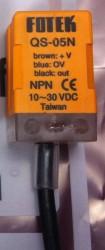 QS-05 series prism shape inductive proximity sensor