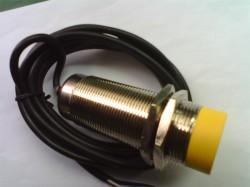 XAM15-30GM series signal output inductive proximity sensor